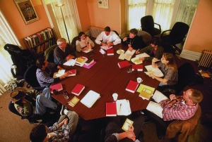 Shimer_College_class_1995_octagonal_table